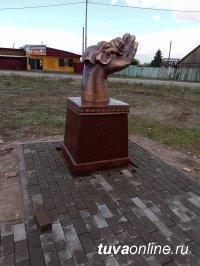 На Левобережных дачах Кызыла устанавливают скульптуру в память о погибшей из-за безответственности родителей малышки