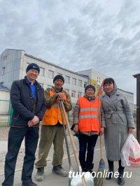 В Кызыле уличных торговцев семечками и сигаретами трудоустроили