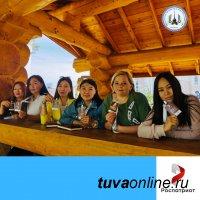 Делегация работников образования Тувы приняла участие в Окружном форуме по патриотическому воспитанию