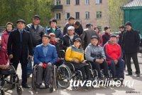 Сенатор Дина Оюн провела прием граждан по вопросам соцзащиты людей с инвалидностью