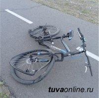 Полиция Тувы разыскивает мотоциклиста, который сбил девушку на велосипеде