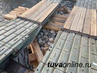 В Туве военные мостостроители завершают возведение мостов, снесенных паводковыми водами