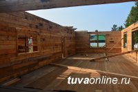 В Тоора-Хеме учителя завершают возведение пристройки-столовой к начальной школе