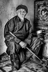 Александр Химушин сфотографировал в монгольском аймаке Ховд 101-летнего тувинца Чимеда Буурлая