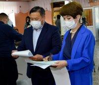 Врио главы Тувы Владислав Ховалыг проголосовал на избирательном участке в Кызыле