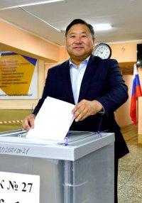 По итогам обработки 26% бюллетеней Владислав Ховалыг набирает 93% голосов избирателей