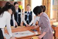 В Туве первая неделя октября объявлена Неделей учителя