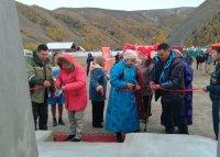 В Туве к 100-летию со дня рождения Кужугета Шойгу в далеком селе Кара-Холь открыта Аллея Славы